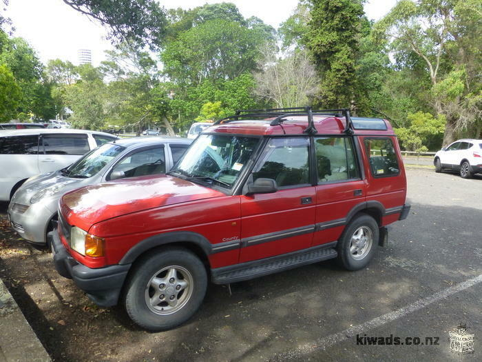 LAND ROVER for backpackers fully equipped new WOF & Reg + 1 bike