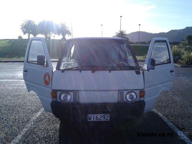 Nissan Vanette 89 - Van - Great Deal