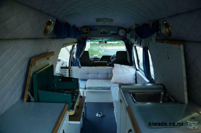 Campervan Nissan homy entièrement aménagé